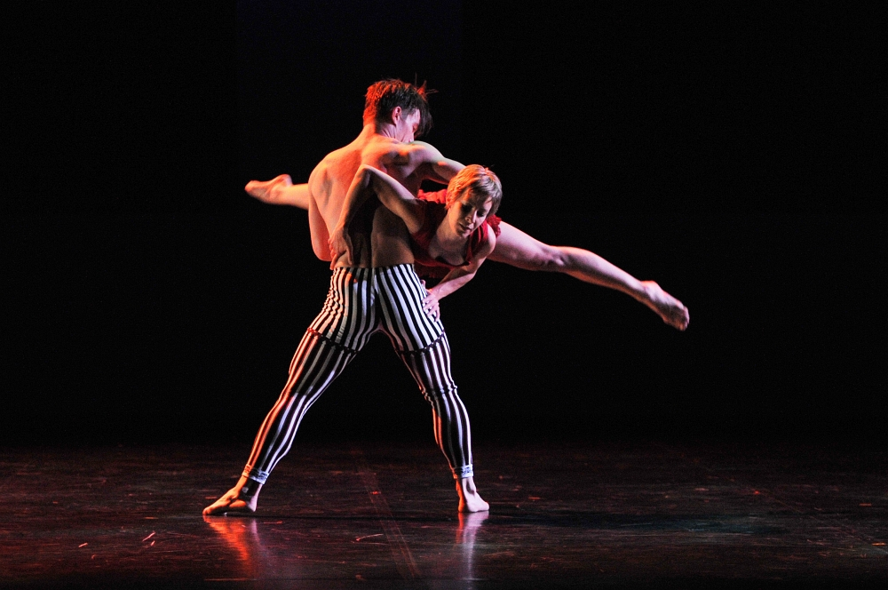 izlazi s muškim plesačem baleta