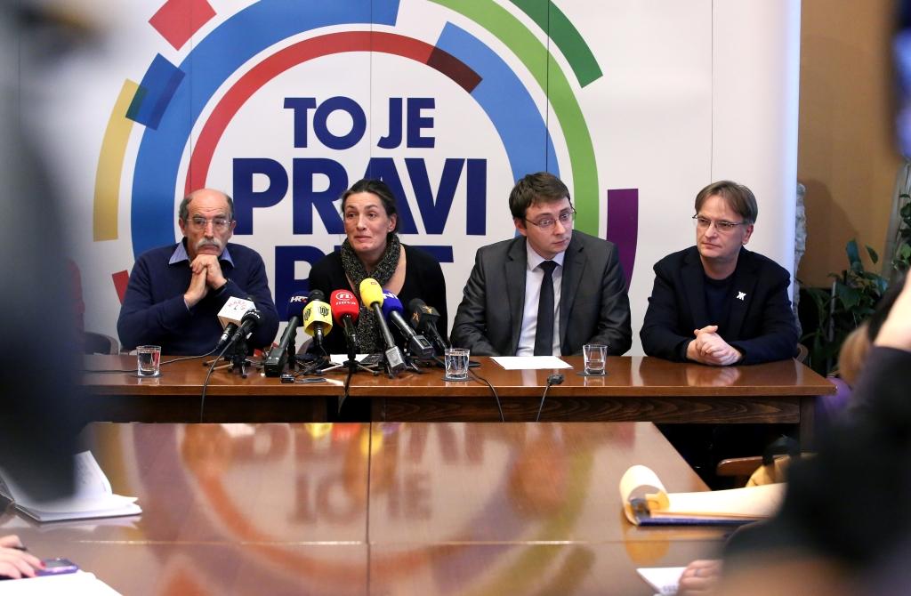 KAMPANJA Vatra i Psihomodo Pop na skupu podrške za graðansku Hrvatsku