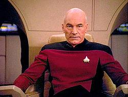 """Sir Patrick Stewart tumačio je ulogu zapovjednika Picard-a u sagi """"Zvjezdane staze"""""""