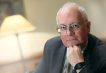 Dr. Robin Harris: Hrvatska - prekrasna država s užasnim političarima