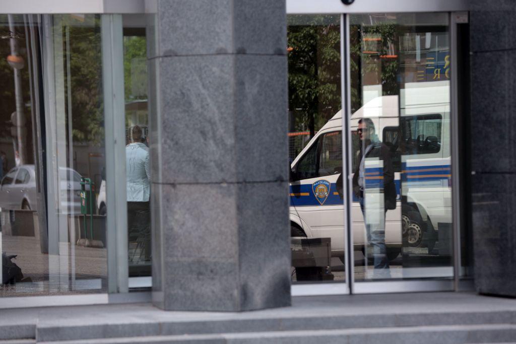 glazbene čestitke Zbog glazbene čestitke Alvarezu protueksplozijski policajci  glazbene čestitke