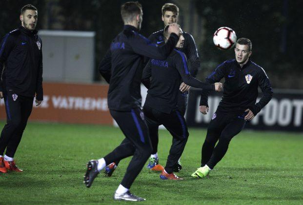 (FOTO)  Hrvatska nogometna reprezentacija odradila otvoreni trening: Pogledajte kako je to izgledalo