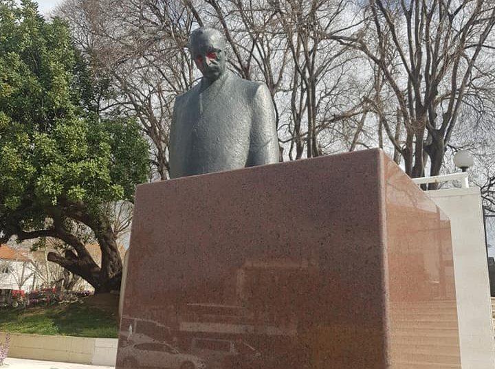 Nepoznati vandali u Splitu oskvrnuli spomenik dr. Franji Tuđmanu