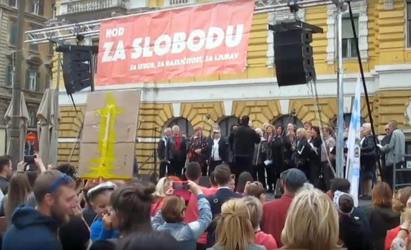 (VIDEO) Na Hodu za slobodu u Rijeci pjevali komunističku
