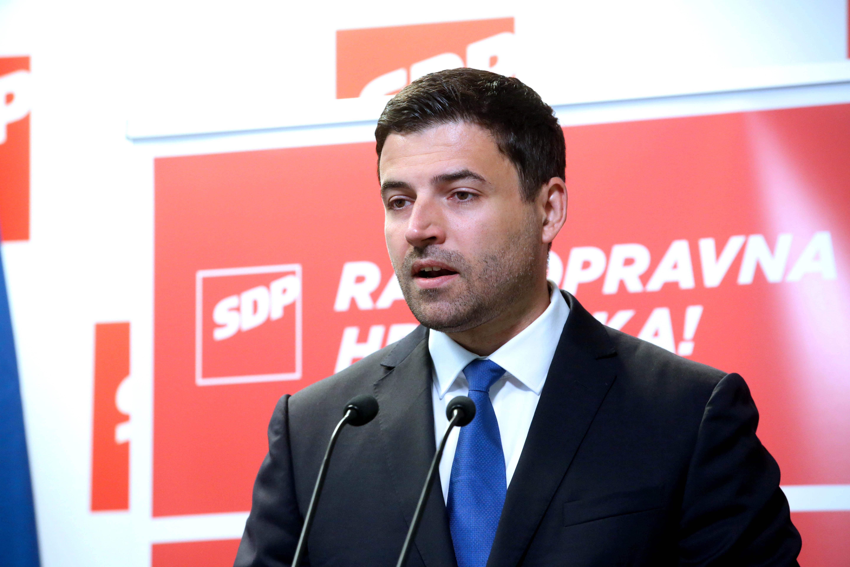 (FOTO) Bernardić tvrdi: 'Zdravstvu prijeti kolaps, u tijeku je tiha privatizacija'