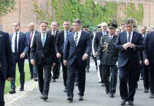 (FOTO, VIDEO) Milanović divlja na Dan državnosti: Bojkotira ceremoniju i odbija položiti vijence na grobu predsjednika Tuđmana