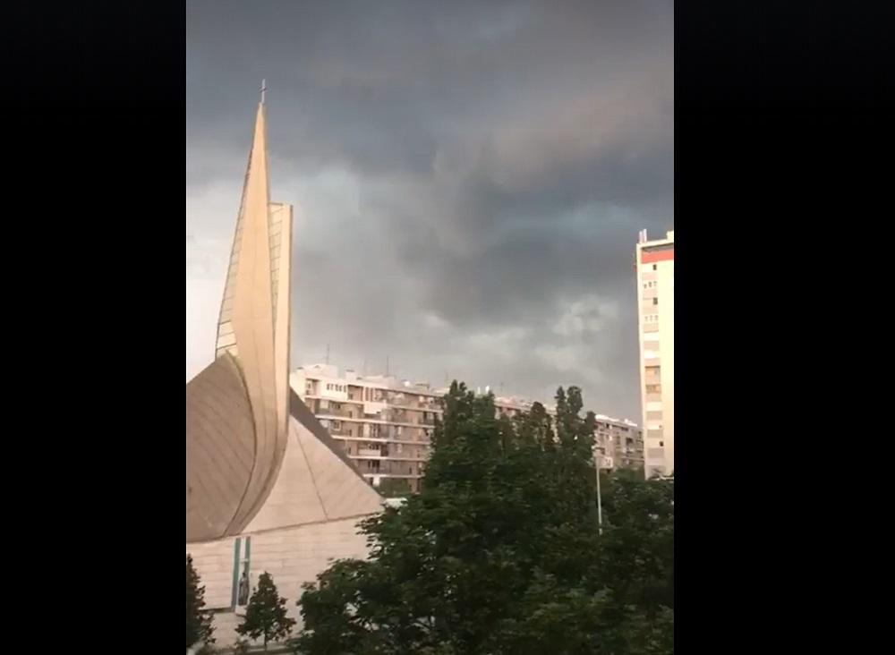 (VIDEO) Nevrijeme i u Zagrebu: Pogodila ga tuča veličine lješnjaka