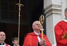 msgr. Uzinić u katedrali Gospe Velike u Dubrovniku