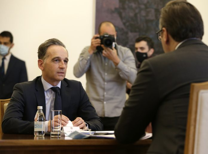 German Foreign Minister Heiko Maas (L)