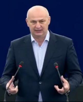 Mislav Kolakušić u EP protivan uvođenju covid putovnica