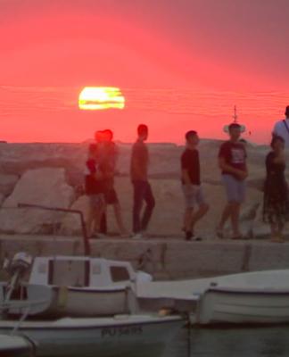 sunce more obala turizam
