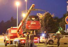 oštećena vozila u eksploziji